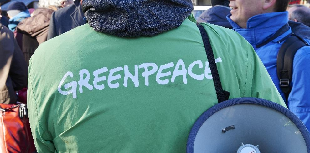 Decretan prisión preventiva para doce activistas de Greenpeace