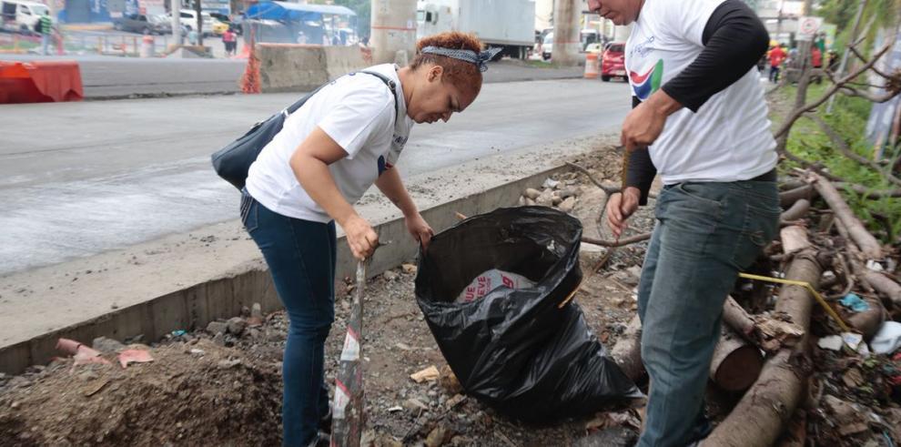 Milagros Lay realizo trabajos comunitario en San Miguelito