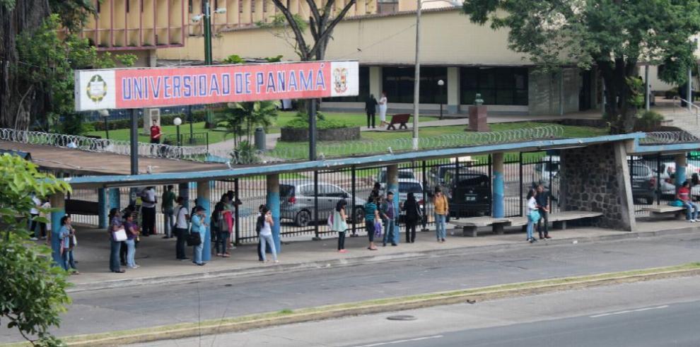 Estudiantes de maestría de la UP buscan eliminar examen de idiomas