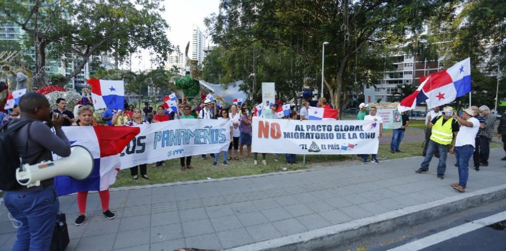 Oposición a pacto migratorio