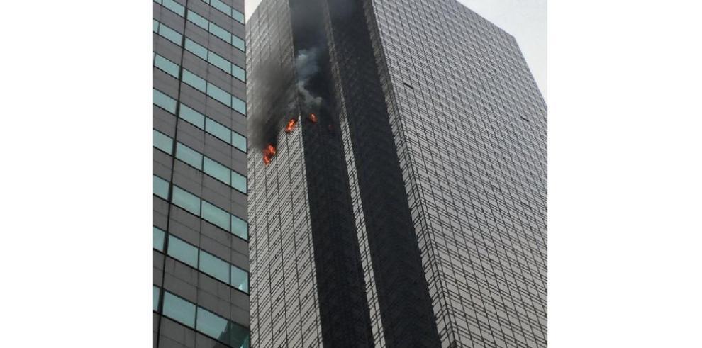 Cinco heridos, uno de ellos grave, por incendio en la Torre Trump