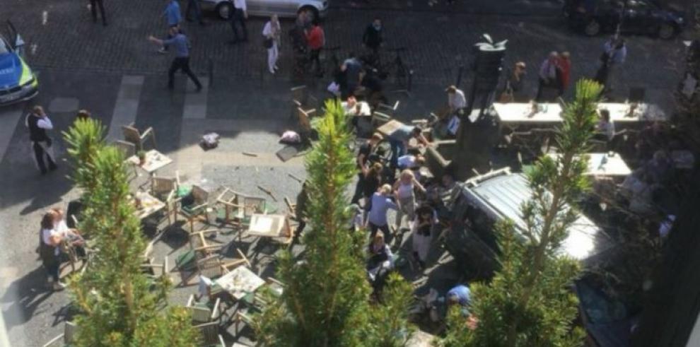 Policía confirma tres muertos y veinte heridos en atropello en Alemania