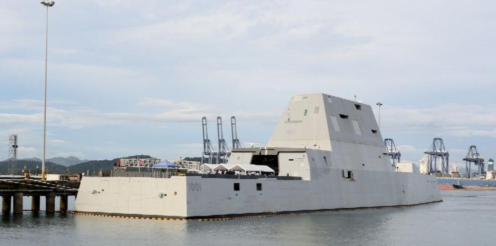 Destructor de EE.UU. atraca en aguas panameñas