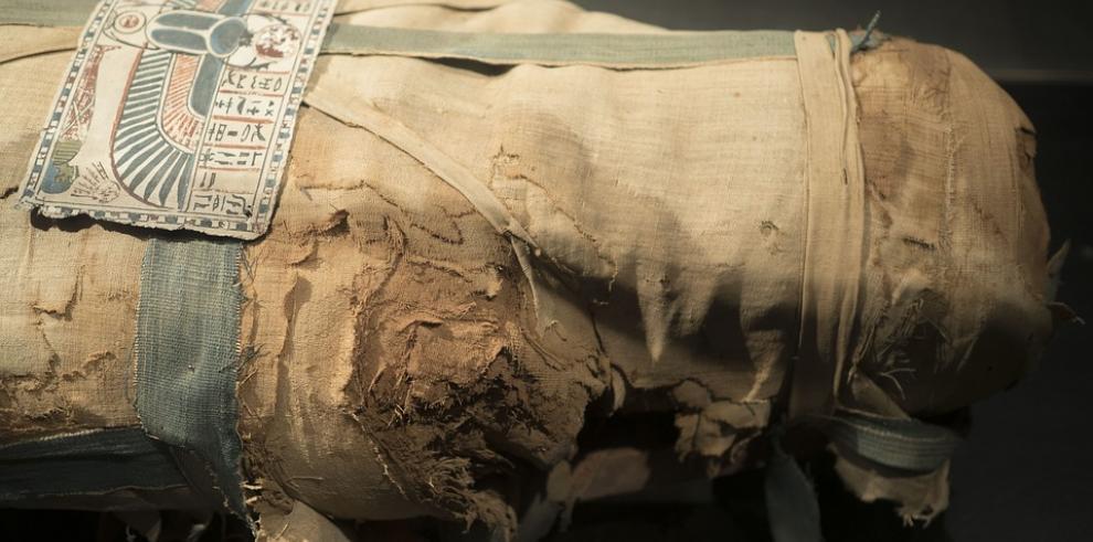 Una momia reaviva en Irán el recuerdo de la dinastía Pahlevi