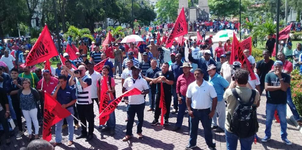 Suntracs decide en asamblea rechazar el arbitraje y mantiene la huelga