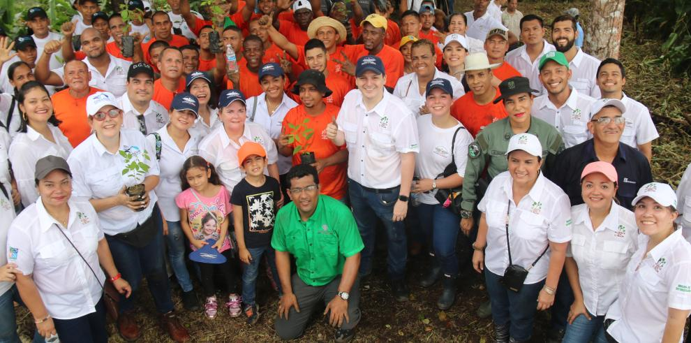 Inicia programa de reforestación con privados de libertad