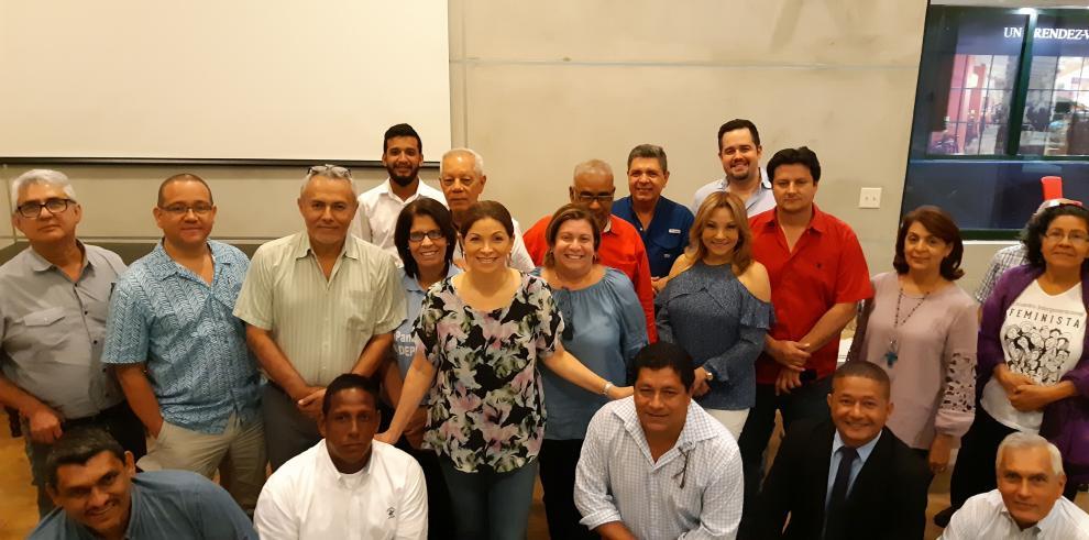 Ana Matilde Gómez tiene más de 65 mil firmas recolectadas