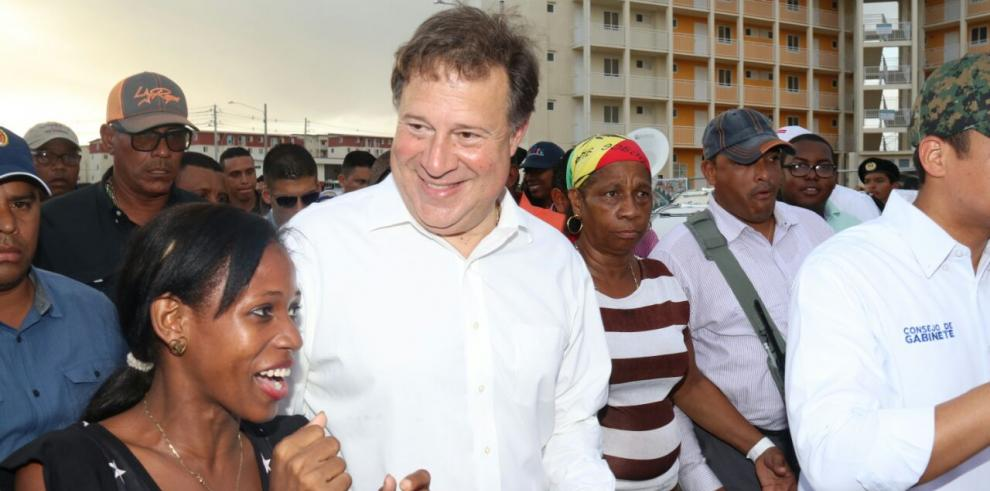 Varela entrega nuevos apartamentos en Altos de Los Lagos
