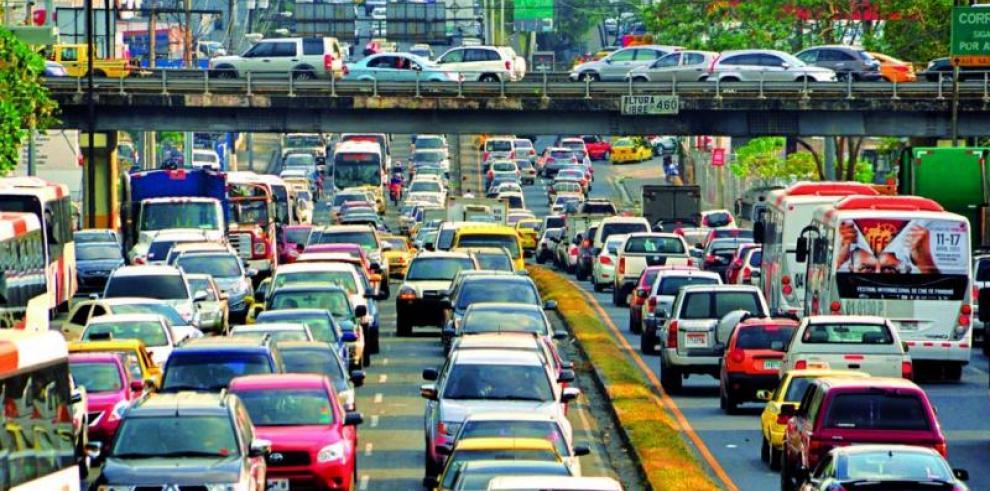 Los panameños duran dos horas para desplazarse de su casa al trabajo