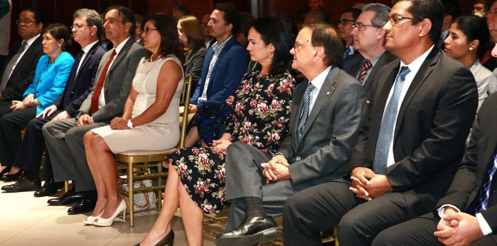 Panamá instala comisión para una política de océanos