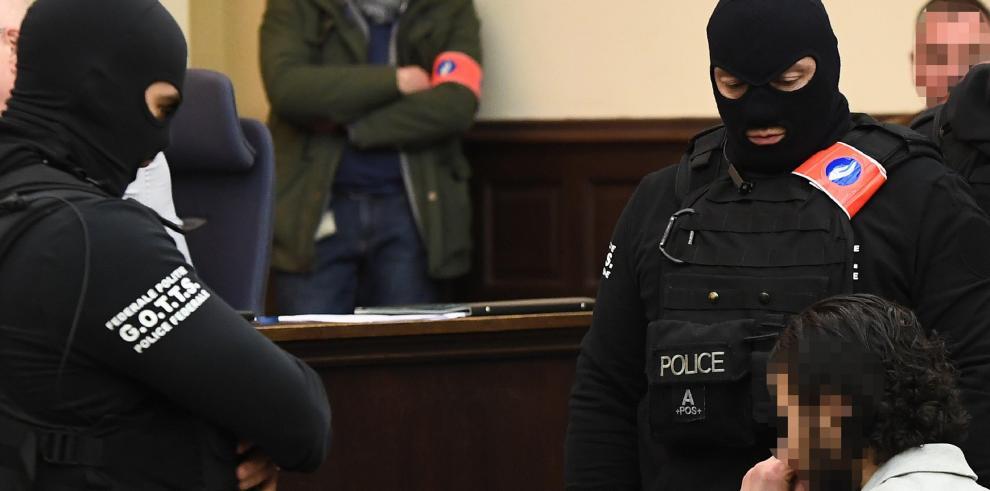 El abogado de Salah Abdeslampide que se anule su juicio por defecto de forma