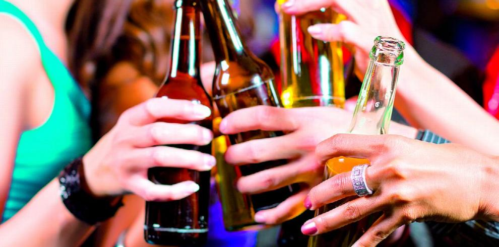 El alcohol en exceso daña la salud... ¡Y engorda!