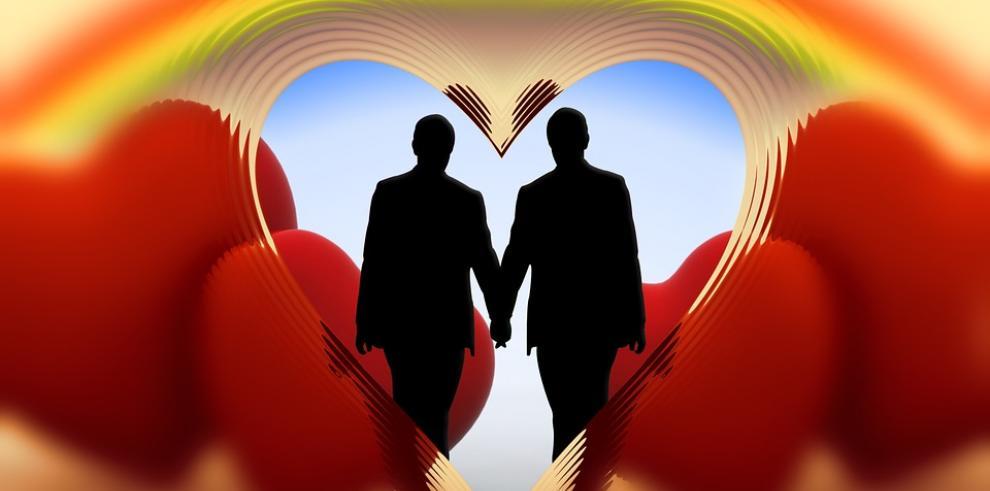 Pareja gay afirma es día triste para Bermudas tras prohibir dichas uniones
