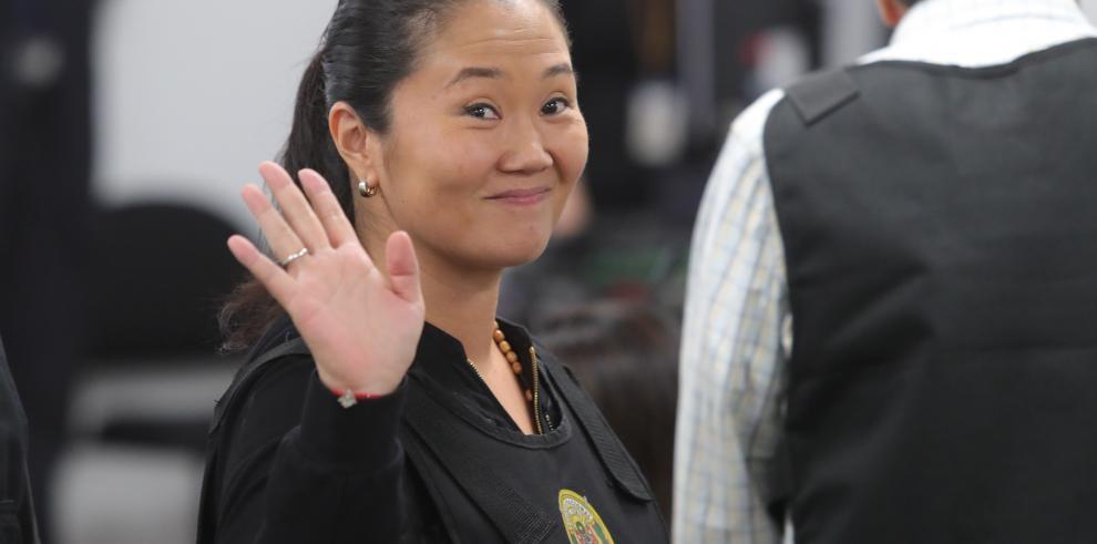 Tribunal se toma seis horas para decidir si deja en libertad a Keiko Fujimori