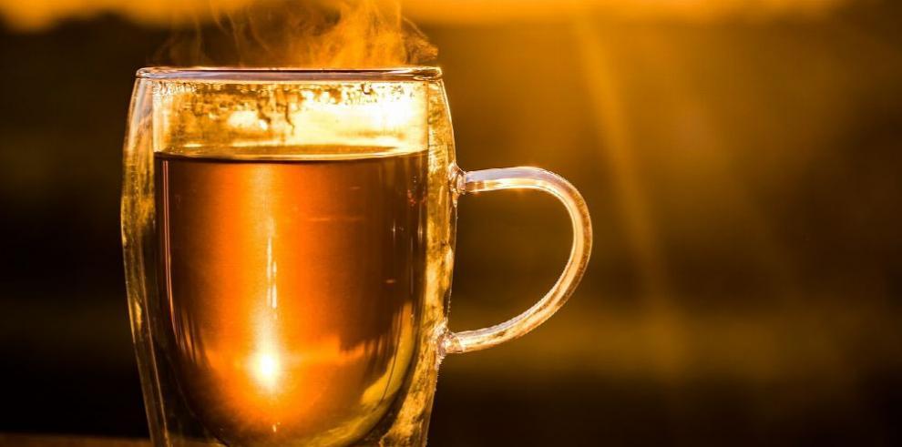 El té caliente reduce riesgo de glaucoma