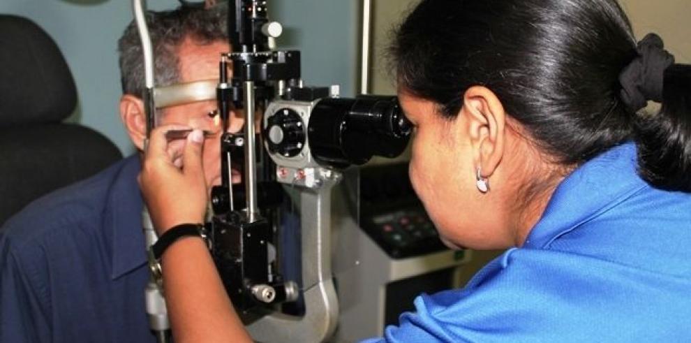 CSS amplia servicio quirúrgico de oftalmología