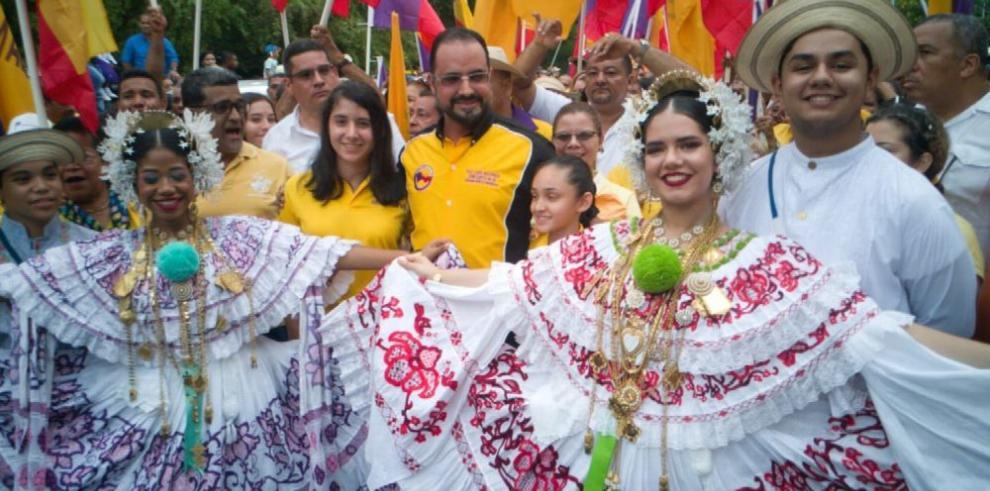 Luis Barría busca la reelección como diputado por el circuito 8-9