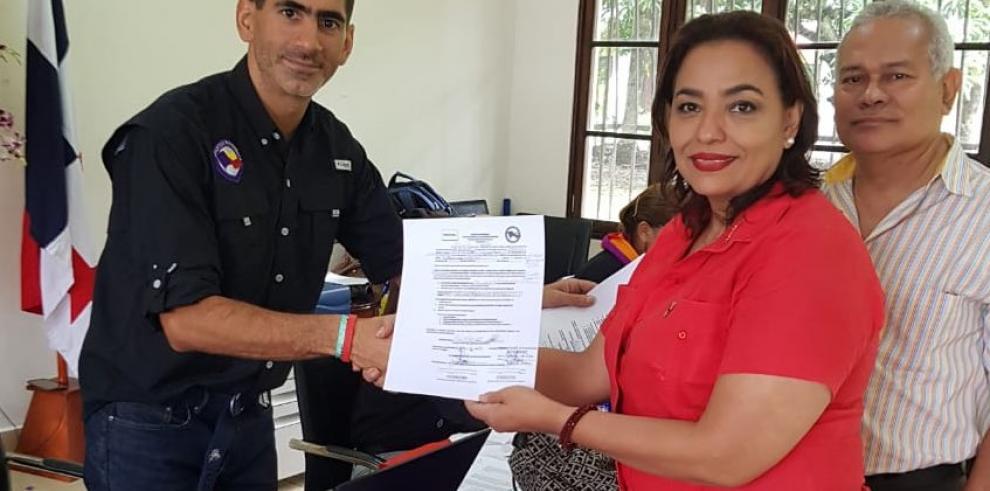 Ada Romero, la tercera candidata a la primaria presidencial panameñista