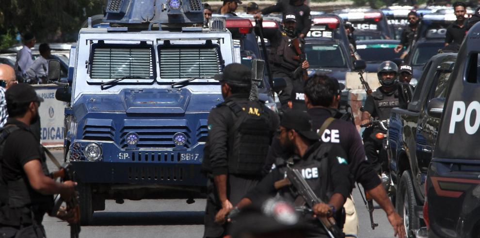 La caída de héroe policial desvela los asesinatos extrajudiciales en Pakistán