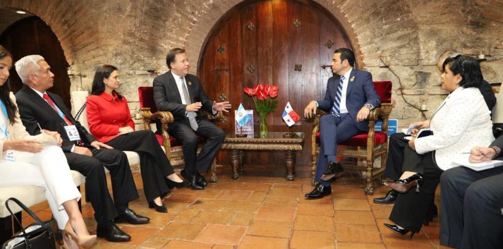 Varela se reunió con su homólogo de Guatemala, Jimmy Morales