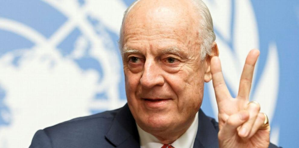 De Mistura dice adiós sin lograr la paz en Siria