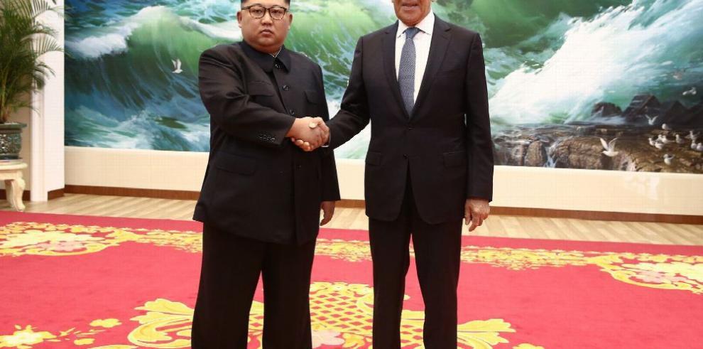Canciller ruso se reúne con Kim