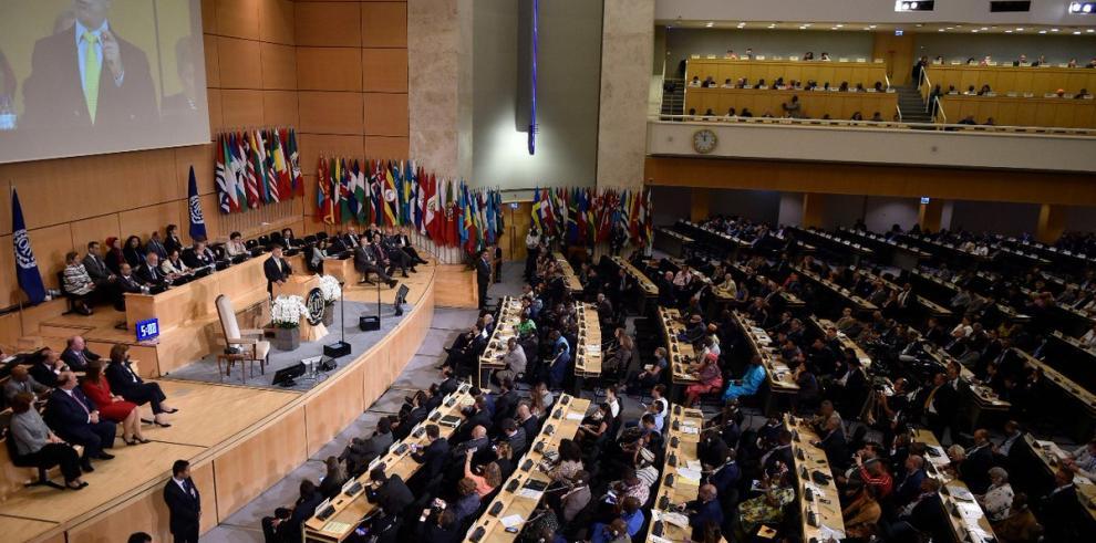 Santos defiende justicia social como base de la paz permanente