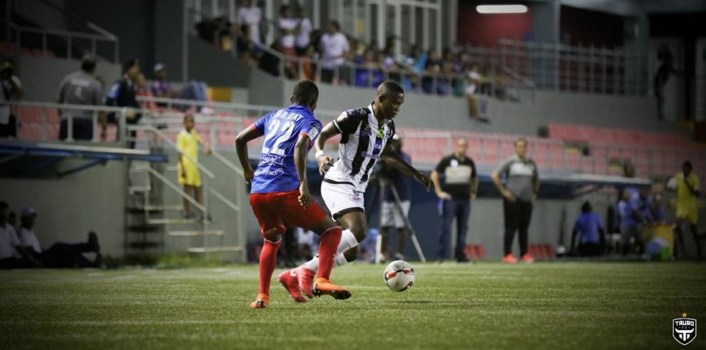 El Plaza Amador extiende la crisis del Tauro F.C. en el fútbol panameño