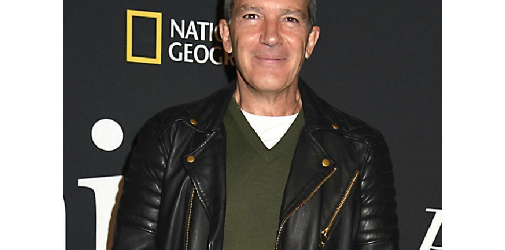 Antonio Banderas celebra el éxito de su serie 'Genius: Picasso' en los Emmy Creativos