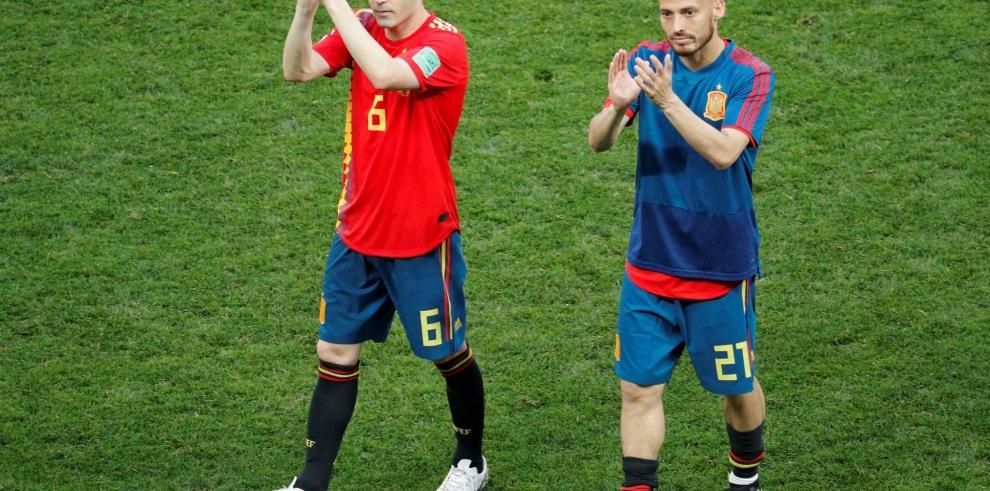 Iniesta anuncia que deja la selección española