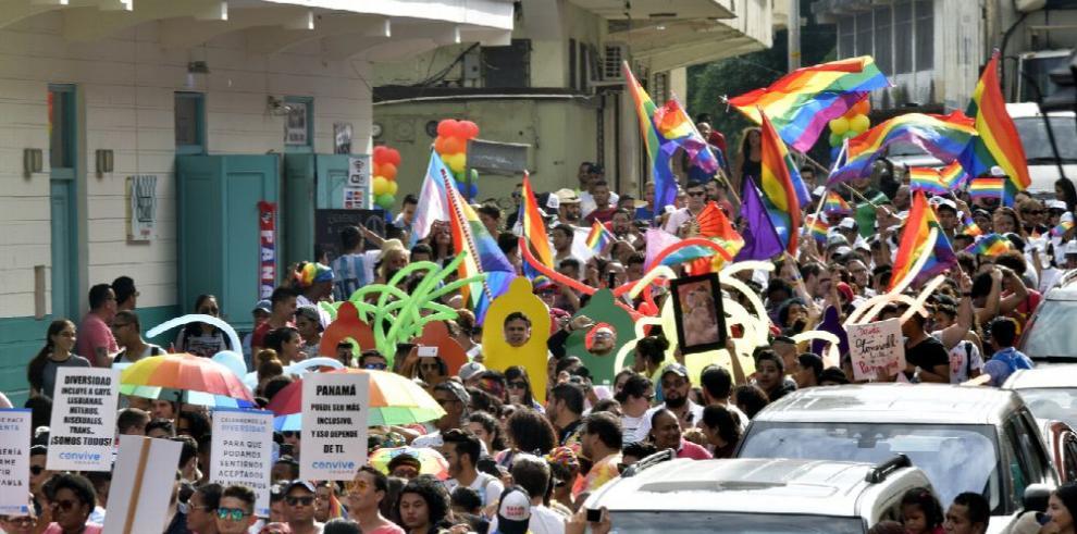 Miles marcharon para celebrar el orgullo LGBTIQ+
