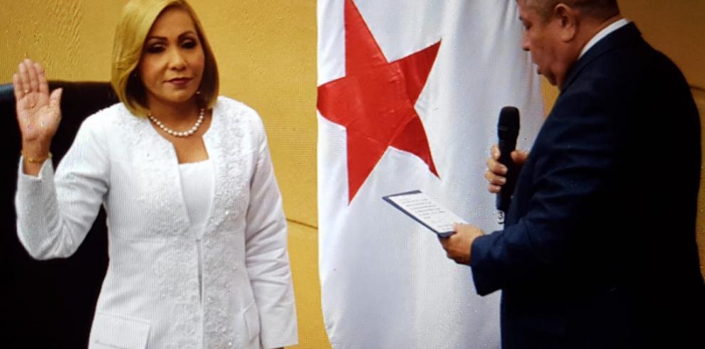 Alianza CD y PRD reelige a Yanibel Ábrego como presidenta de la Asamblea
