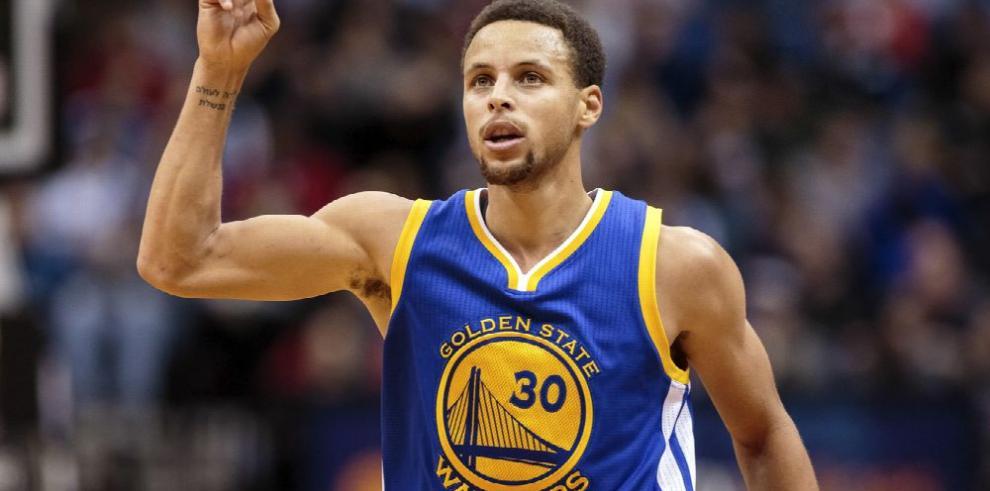 Curry entrena y se alista para jugar la serie ante los Pelicans