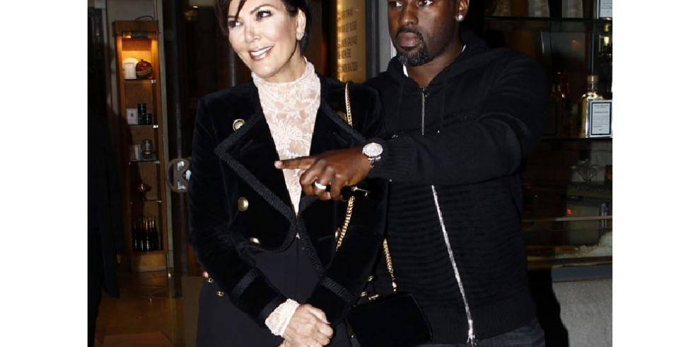 ¿Acaba de confirmar Kris Jenner su compromiso con Corey Gamble?