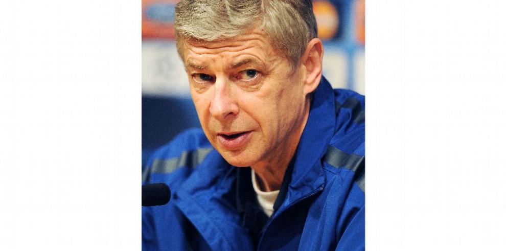 'Los ingleses son maestros para simular', Wenger