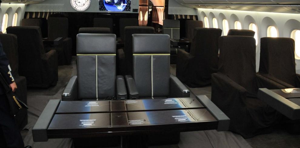 Gobierno mexicano anuncia venta de avión presidencial y flota aérea oficial