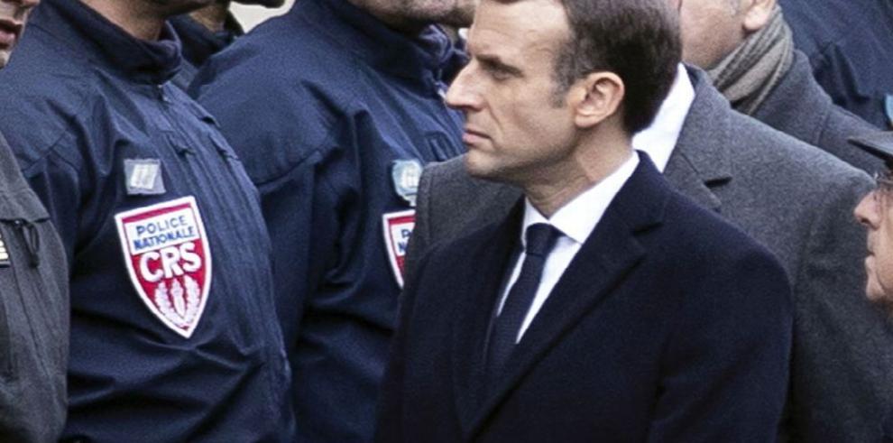 Macron busca solución a la crisis nacional causada por violentas protestas