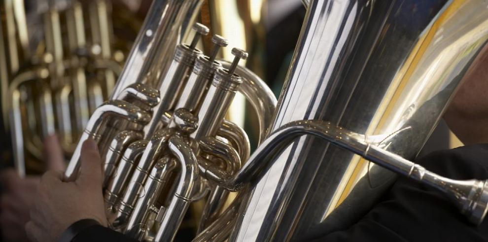 Josué Vanegas y la tuba, un amor a segunda vista