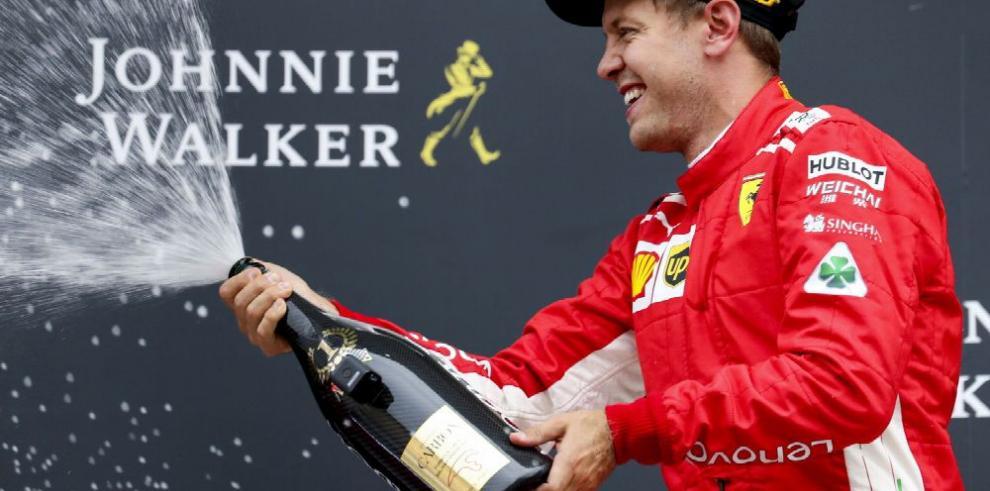 Vettel gana y recorta puntos a Hamilton