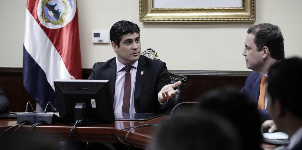 Gobierno de Alvarado enfrenta su primer gran desafío: contener el gasto