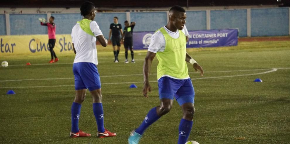 El Árabe Unido se mantiene líder en una jornada de empates en Panamá
