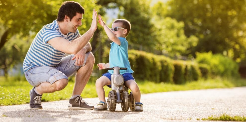 Niños tienen mejor salud mental si sus padres se involucran en su educación