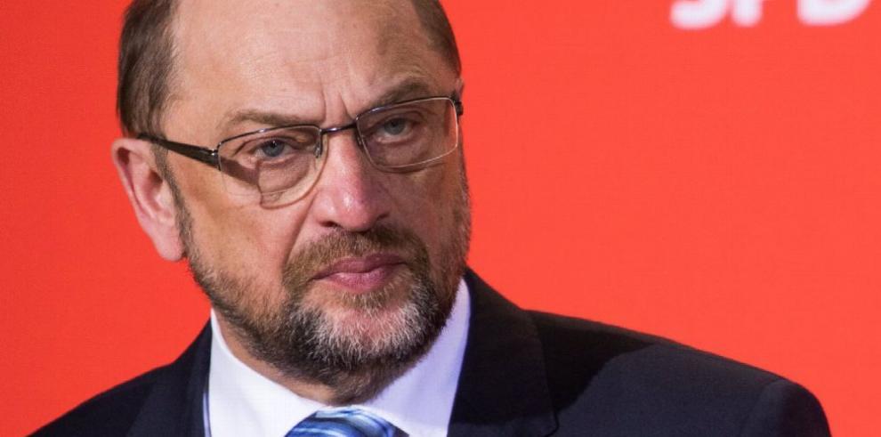 Schulz renuncia a ser ministro de Merkel