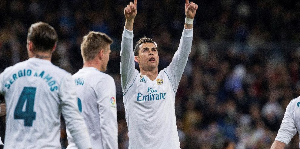 El Real Madrid golea a la Real Sociedad al descanso