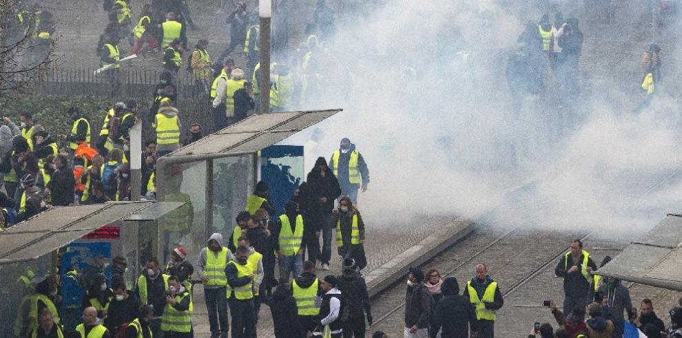 Más de mil detenidos en Francia tras protestas