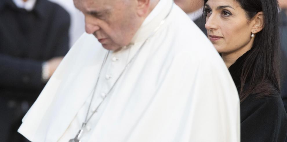 El papa pide respeto hacia los derechos humanos de las familias migrantes