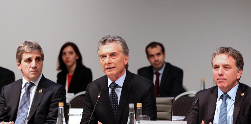 Macri anuncia un 'proceso de modernización' de las Fuerzas Armadas argentinas