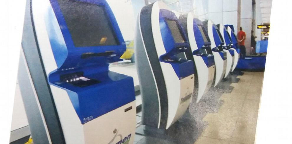 Instalan quioscos de autoservicio en Tocumen por $1.2 millones
