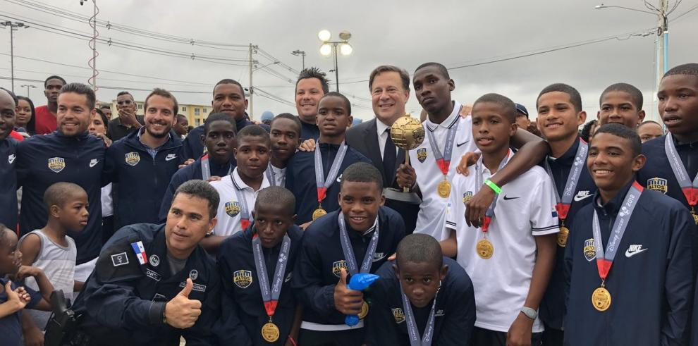 Blas Pérez y Felipe Baloy serán consultores deportivos en Pandeportes