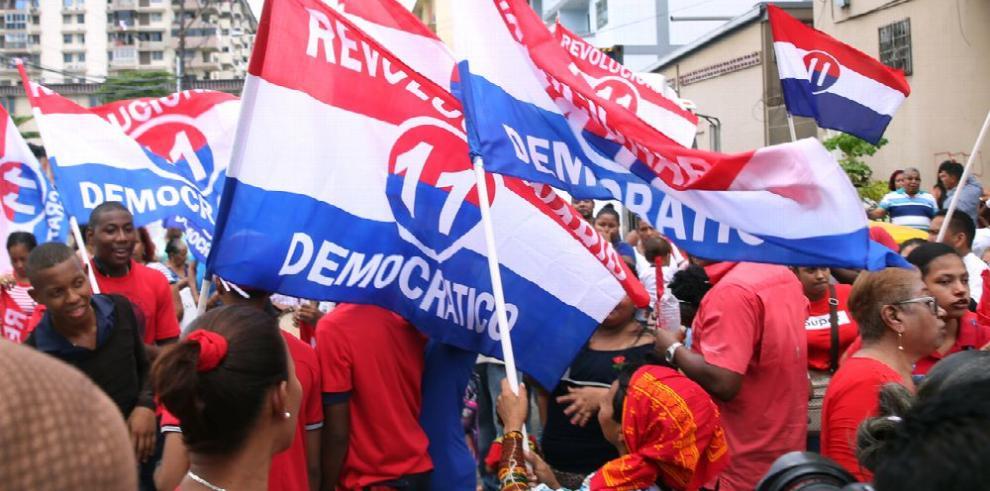 Al menos veinte diputados del PRD irán por la reelección